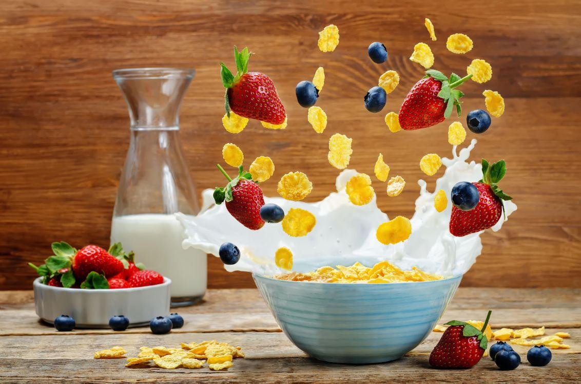 Фото бесплатно завтрак, хлопья, молоко, еда