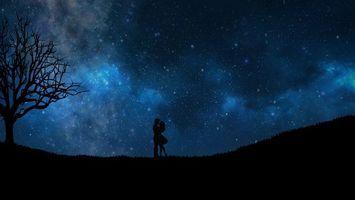 Бесплатные фото starry sky, couple, love, silhouettes, звездное небо, пара, любовь