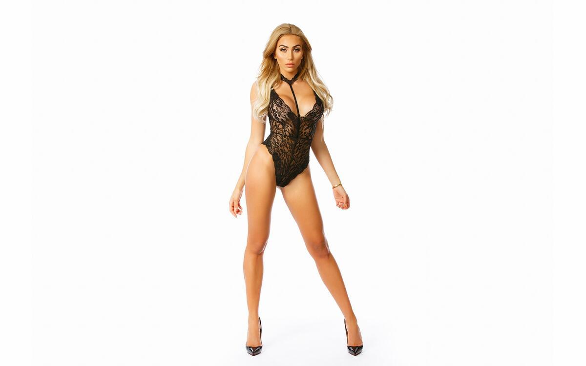 Фото женщина блондинка высокие каблуки - бесплатные картинки на Fonwall