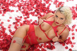 Бесплатные фото Athena Palomino,красотка,голая,голая девушка,обнаженная девушка,позы,поза