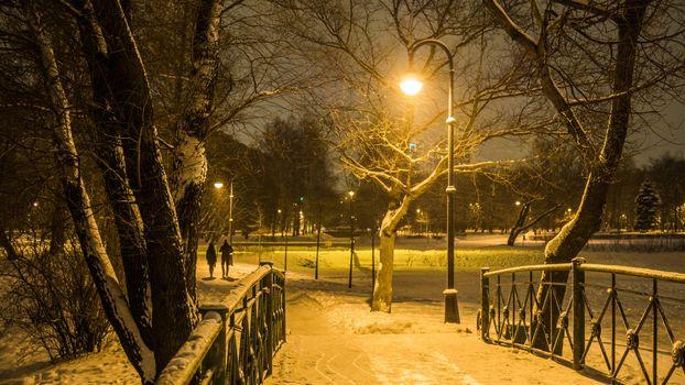 Фото бесплатно Moskovsky park of victory, люди, зима, снег, фонари, вечер