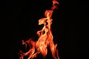 Фото бесплатно огонь, пламя, костер, темный фон, fire, flame, bonfire, dark background