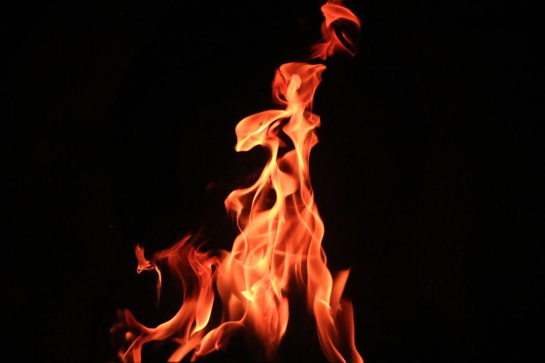 Фото бесплатно костер, темный фон, огонь - на рабочий стол