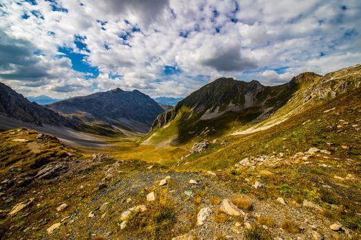 Заставки Швейцария Альпы, горы Швейцарии, облака