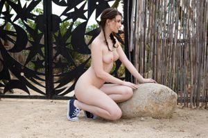 Бесплатные фото Muirina Fae,модель,красотка,голая,голая девушка,обнаженная девушка,позы