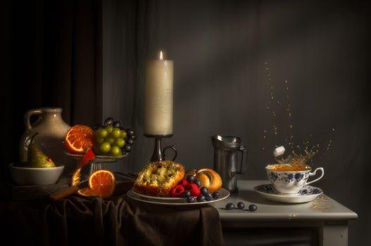Обои стол,натюрморт,продукты,фрукты,ягоды,еда,свеча,чай