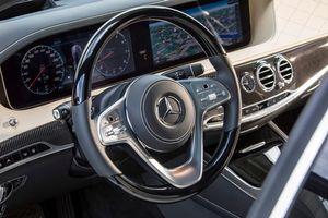 Фото бесплатно Mercedes-Benz S-Klasse S 560, руль, доска приборов