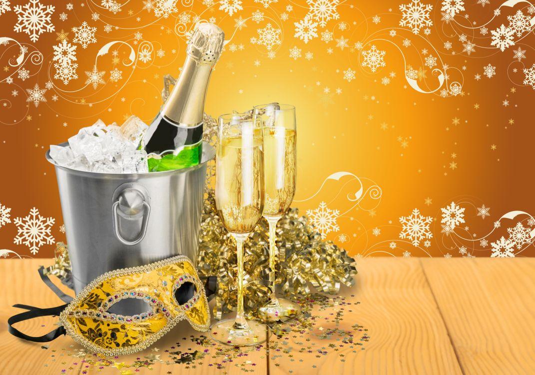 Фото бесплатно новый год, елка, снежинки, бокалы, рождество, шампанское, встреча нового года, новогодние обои, new year, tree, snowflakes, glasses, christmas, champagne, happy, новый год