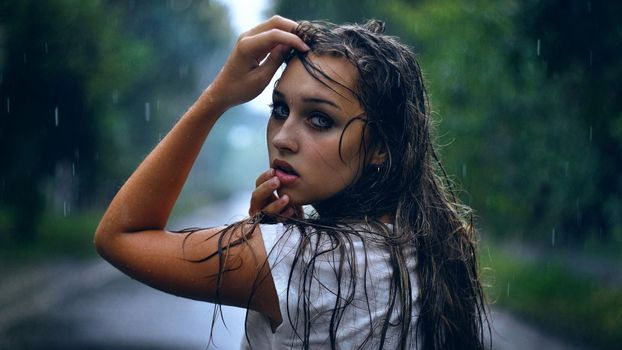 Фото бесплатно девушка, дождь, грустно