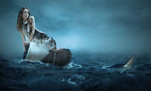 Photo free girl, sea, barrel