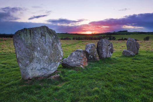 Заставки древние руины, поле, зеленый