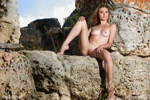 Бесплатные фото Tiara,Alma J,Lana,модель,красотка,голая,голая девушка,обнаженная девушка,позы,поза,сексуальная девушка,эротика