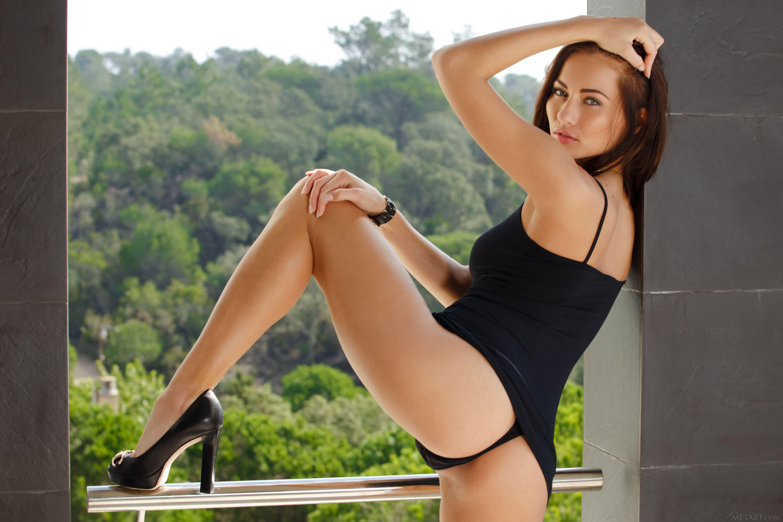 Обои Michaela Isizzu, модель, красотка, позы