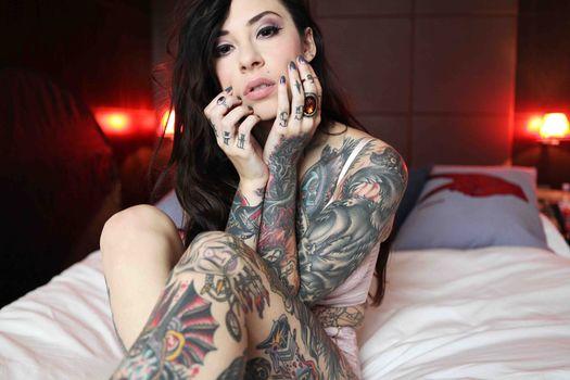 Фото бесплатно модель, сидя, татуировки