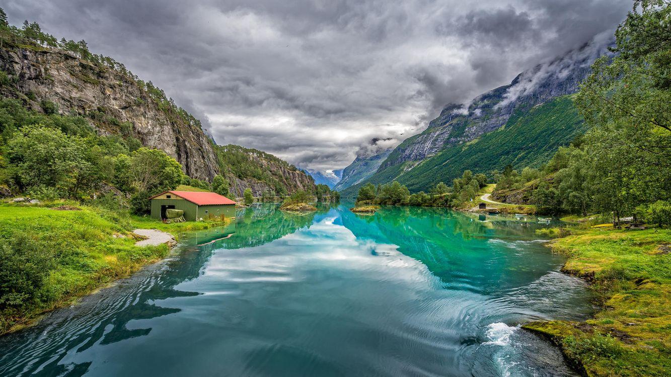 Фото бесплатно Норвегия, Norwegen, природа, Скандинавия, река, горы, домик, деревья, пейзаж, пейзажи