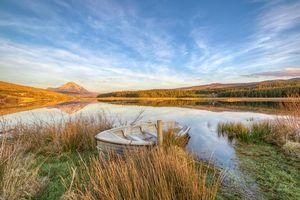Бесплатные фото река Клэди, гора Эрригал, озеро Данлевей, Гведор Графство Донегал, Ирландия, лодка, берег