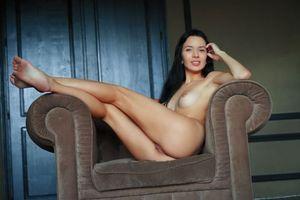 Обои Aurelia Perez, модель, красотка, голая, голая девушка, обнаженная девушка, позы, поза, сексуальная девушка, эротика