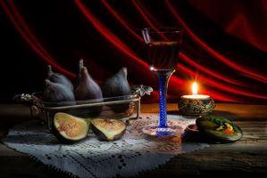 Бесплатные фото натюрморт,стол,предметы,бокал,свеча,фрукты
