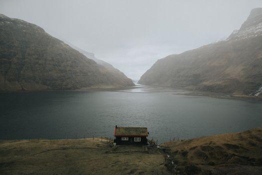 Фото бесплатно река, туман, дом