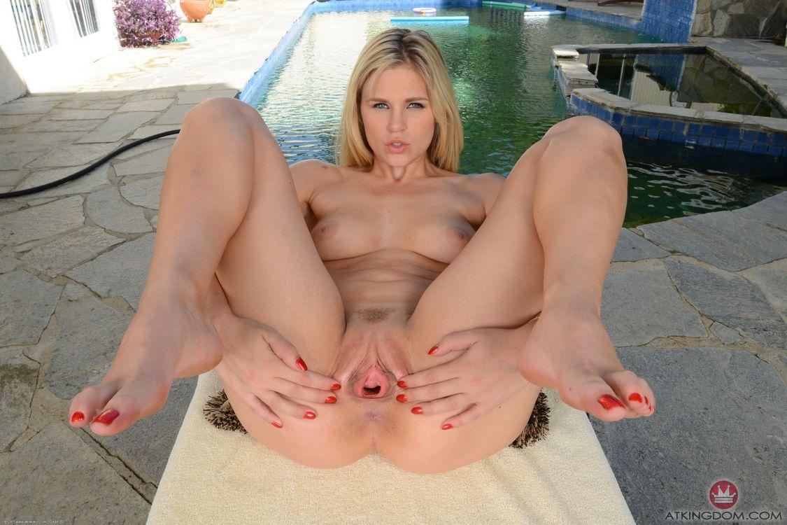 Фото бесплатно алая красный, звезда порно, блондинка, сиськи, отделанная киска, распространение губы, scarlet red, porn star, blonde, tits, trimmed pussy, spread lips, эротика