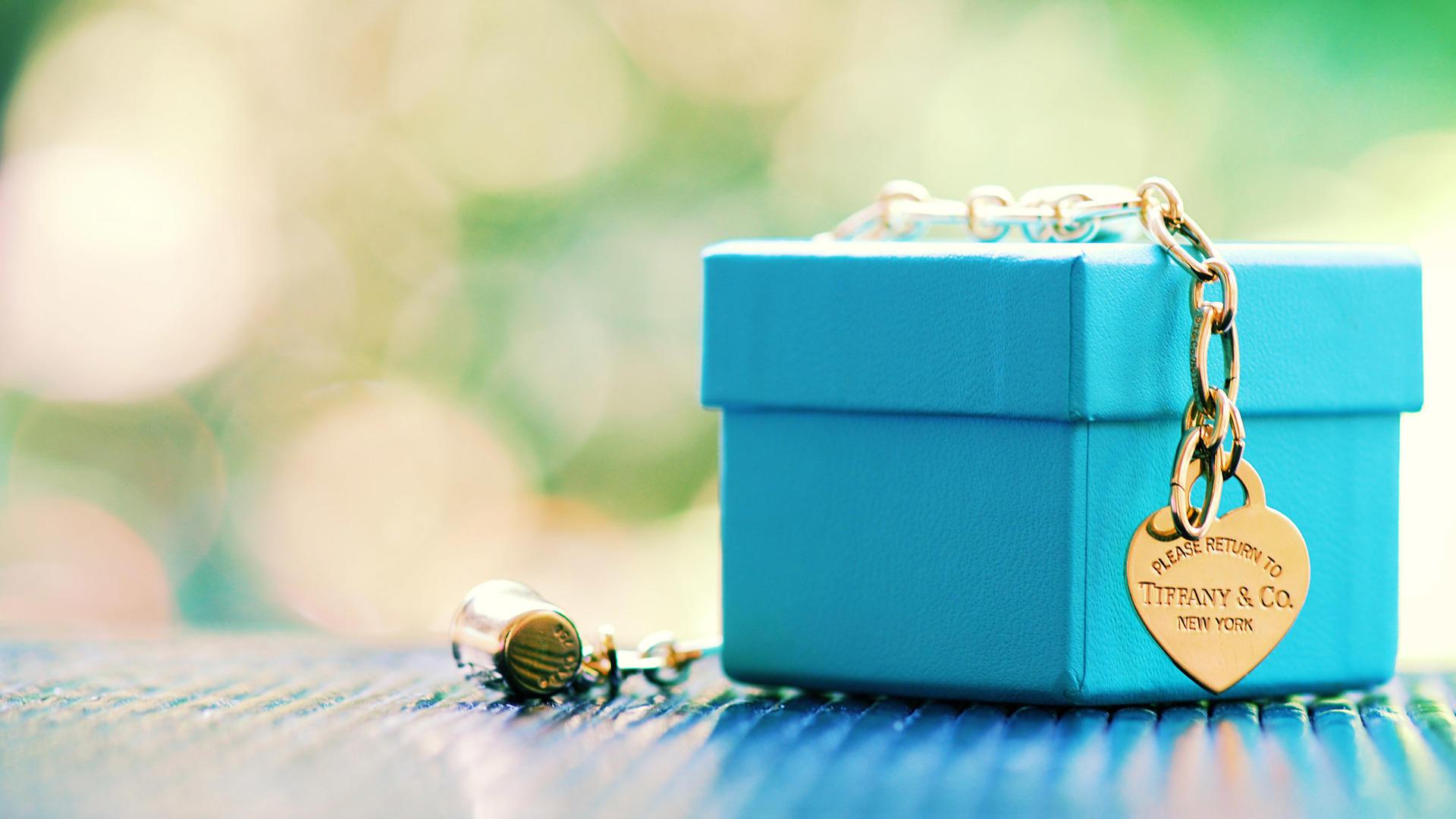 Обои подарок, украшение, браслет, стиль