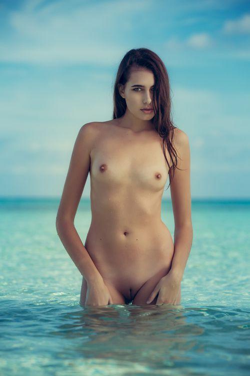Фото бесплатно Katrine Pirs, модель, красотка, голая, голая девушка, обнаженная девушка, позы, поза, сексуальная девушка, эротика, PLAYBOY, PLAYBOYPLUS, sexy girl, nude, naked, эротика
