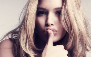 Photo free blonde, woman, close-up