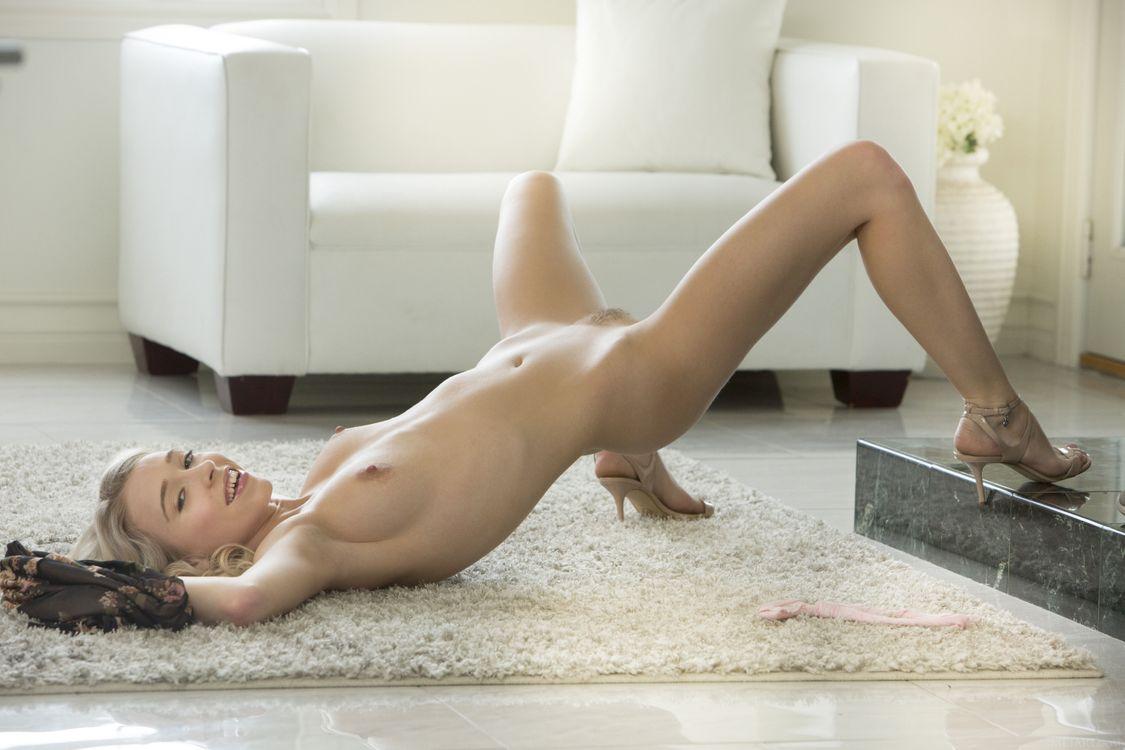 Фото бесплатно Riley Anne, красотка, голая, голая девушка, обнаженная девушка, позы, поза, сексуальная девушка, эротика, Nude, Solo, Posing, Erotic, фотосессия, sexy, эротика