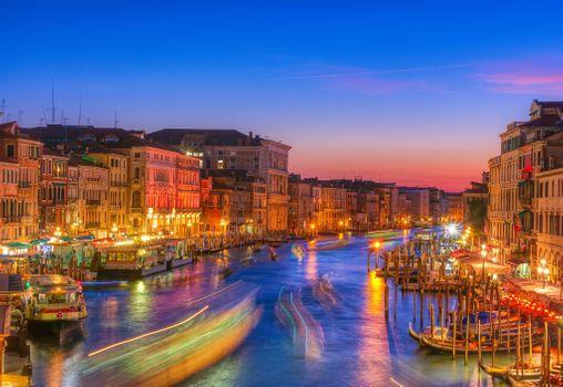 Фото бесплатно фонари, лодки, пейзаж