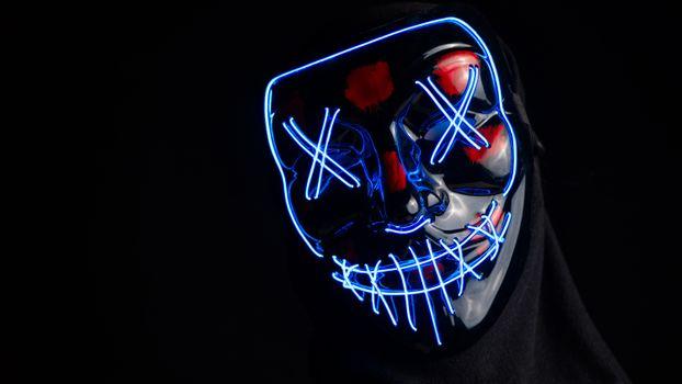 Фото бесплатно жуткие маски, ХХ, неоновый свет