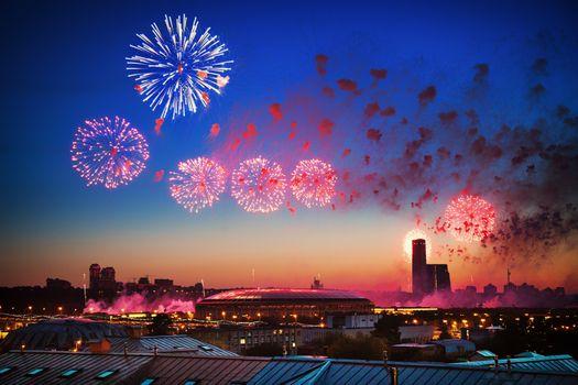 Бесплатные фото Лужники,14 июня 2018,футбол,чемпионат,Москва,Россия,фейерверк,дома,небоскребы,сооружения,архитектура,праздник
