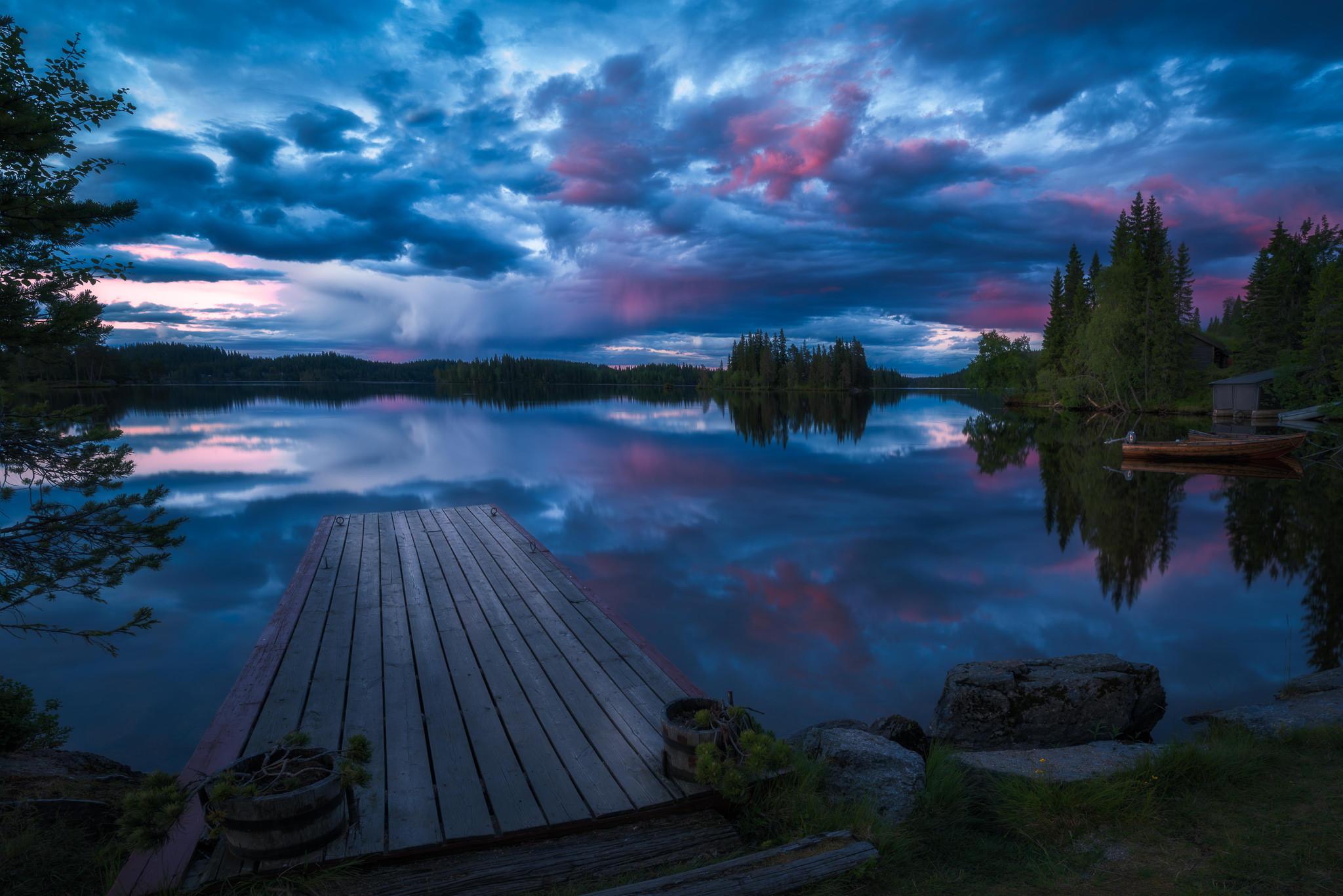 Местное озеро в Рингерике, Норвегия, закат, мост, причал, деревья, небо, пейзаж
