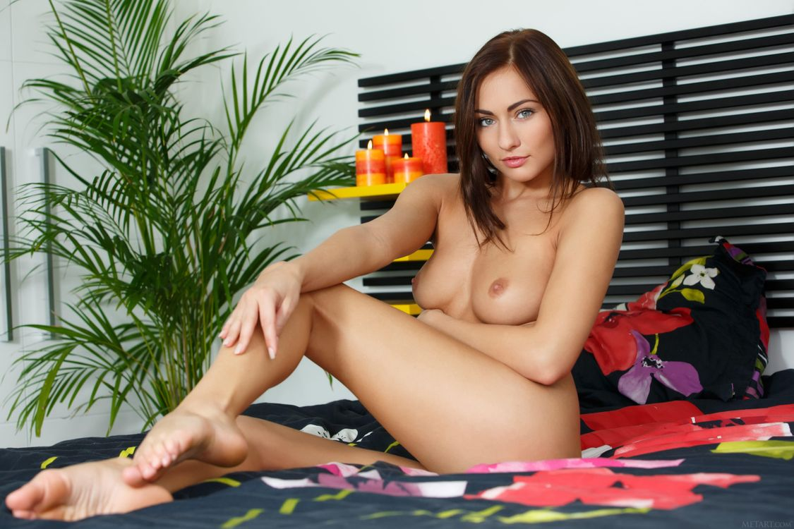 Фото бесплатно Michaela Isizzu, красотка, голая, голая девушка, обнаженная девушка, позы, поза, сексуальная девушка, модель, эротика, эротика
