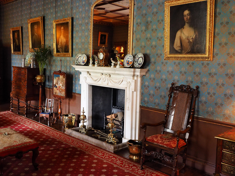 Обои Взгляд внутри Оксбургского зала, Оксбург Холл, Swaffham, Norfolk