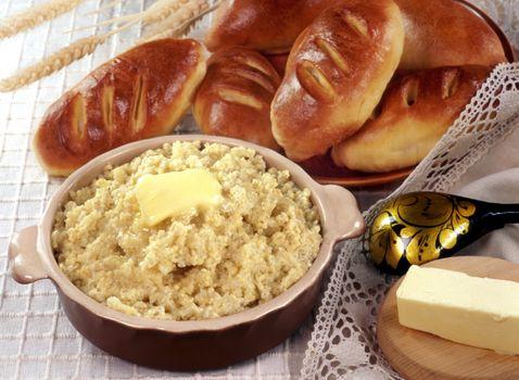Photo free porridge, bread, oil