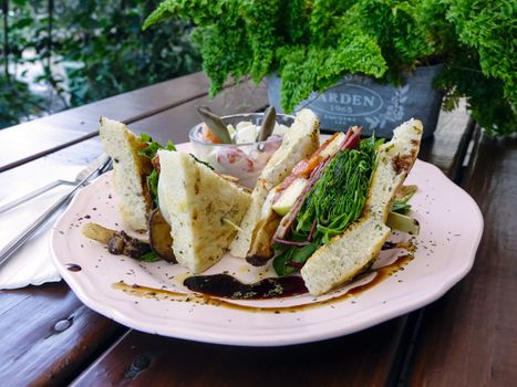 Фото бесплатно сэндвич, соус, овощи
