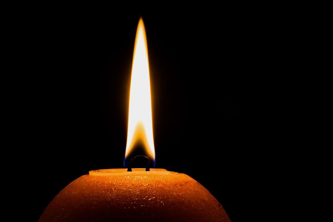 Свеча памяти · бесплатное фото