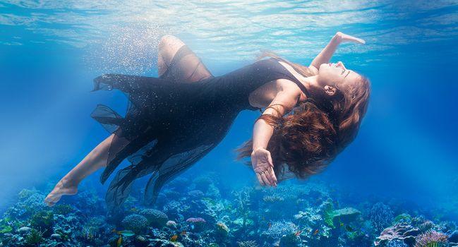 Фото бесплатно женщины, модель, под водой