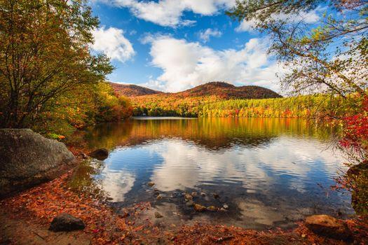 Photo free Autumn at Mirror Lake, Woodstock, New Hampshire