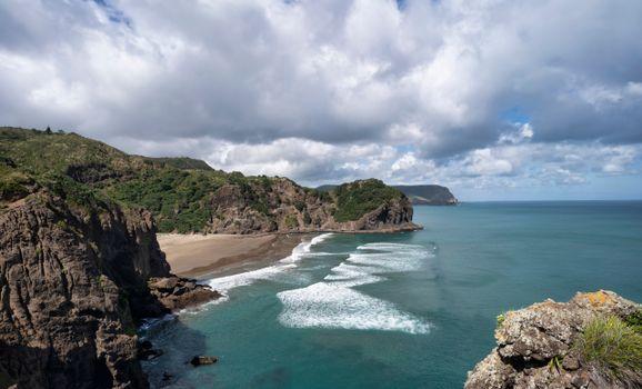 Фото бесплатно пейзажи, скалистый берег, облака