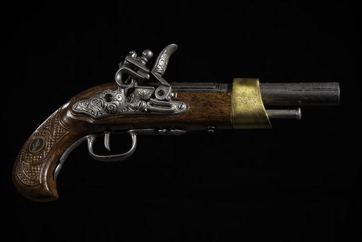 Заставки разное, пистолет, ретро
