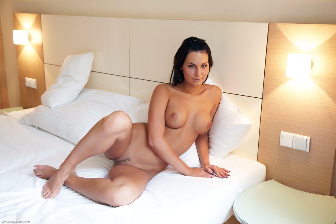 Обои Stacy Da Silva, Carie, девушка, модель, красотка, голая, голая девушка, обнаженная девушка, позы, поза, сексуальная девушка, эротика на телефон | картинки эротика