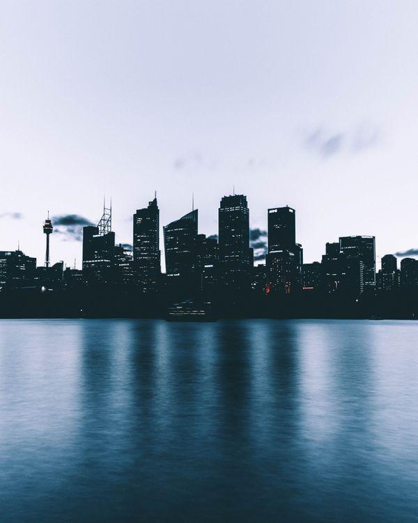 Фото бесплатно город, небоскребы, берег, вечер, city, skyscrapers, shore, evening, город