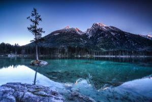 Бесплатные фото озеро,горы,скалы,дерево,закат,пейзаж