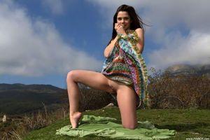 Заставки Eva U, Kamilah A, Betty, красотка, голая, голая девушка, обнаженная девушка, позы, поза, сексуальная девушка, модель, эротика