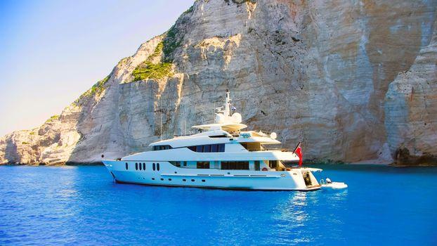 Фото бесплатно море, яхта, скалы