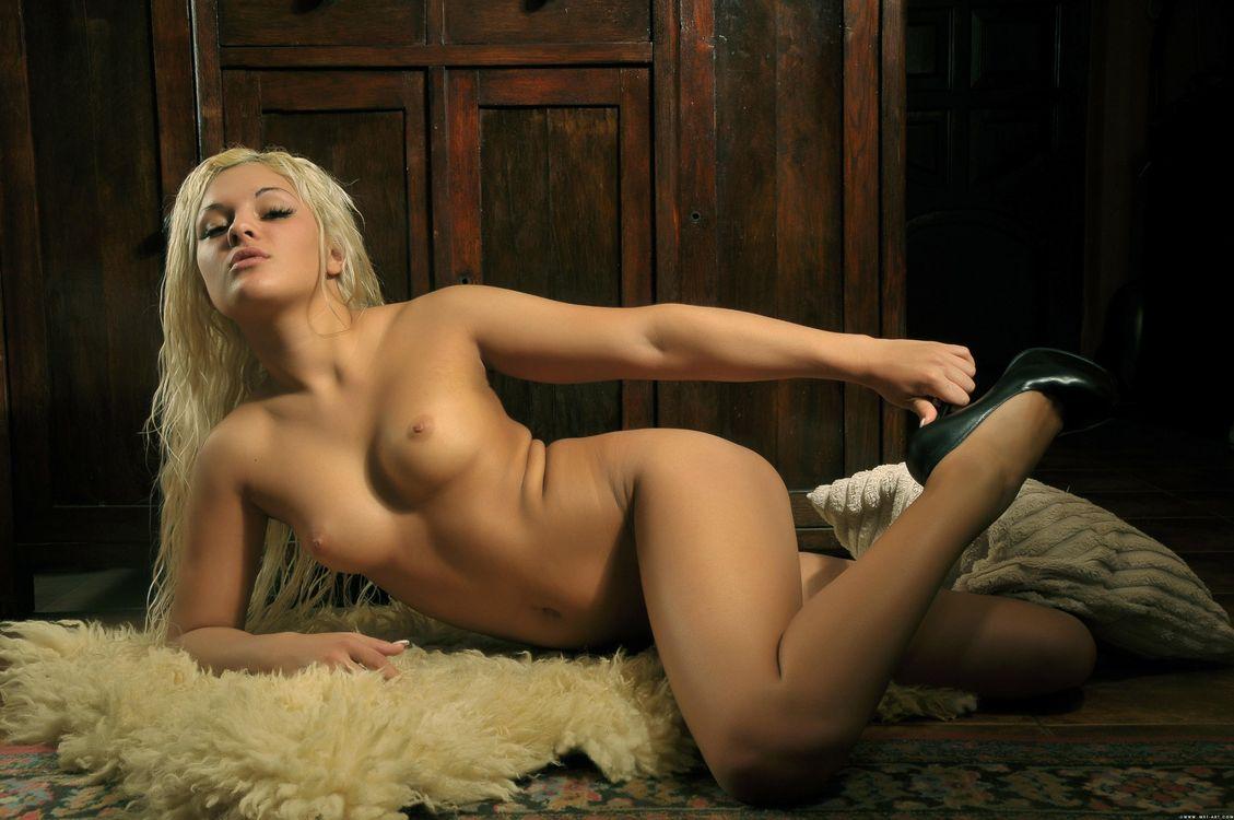 фото голых девушек с подробностями