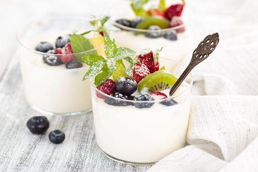Фото бесплатно мороженое, ягоды, десерт