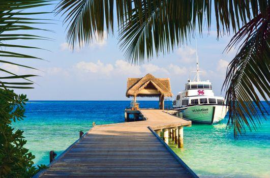 Бесплатные фото тропики,море,пирс,яхта