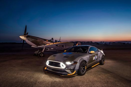 Photo free Ford Mustang, airfield, airplane
